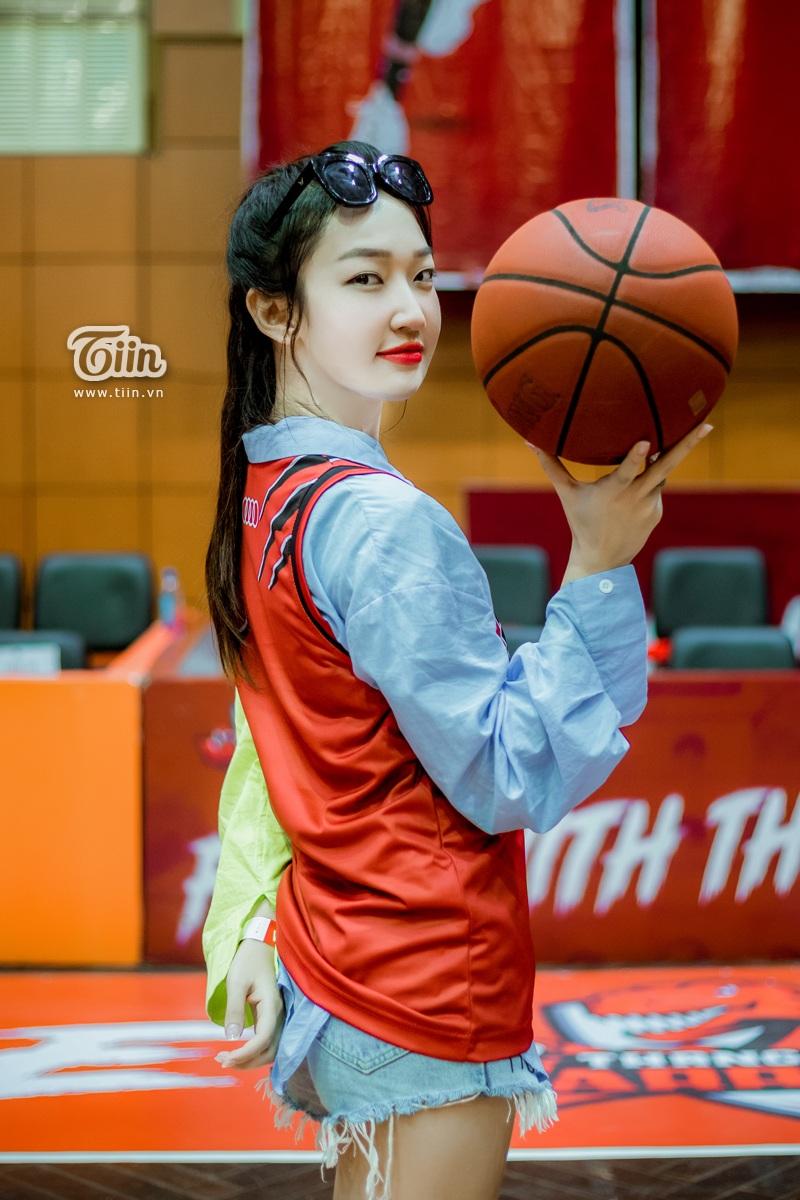 Cô nàng bắt đầu yêu thích bóng rổ từ 2 năm trở lại đây