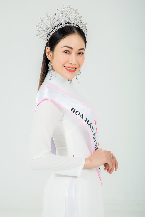 Hoa hậu Tuyết Nga lần đầu lên tiếng về câu chuyện kiếm tiền từ danh hiệu 4