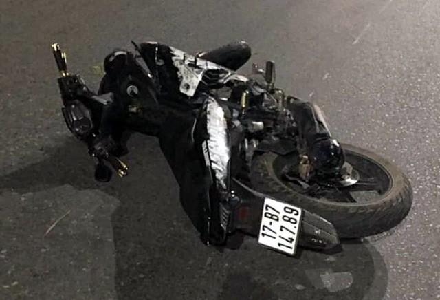 Chiếc xe máy tại hiện trường vụ tai nạn.