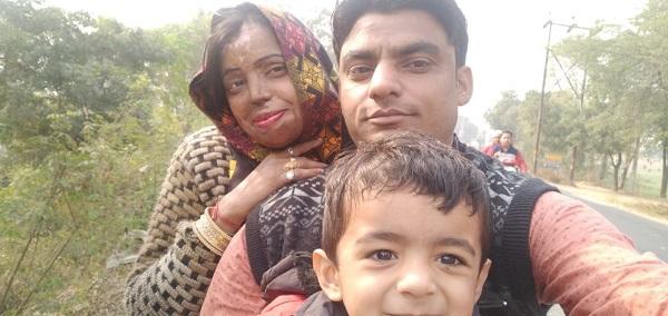 Mohini cùng gia đình của mình