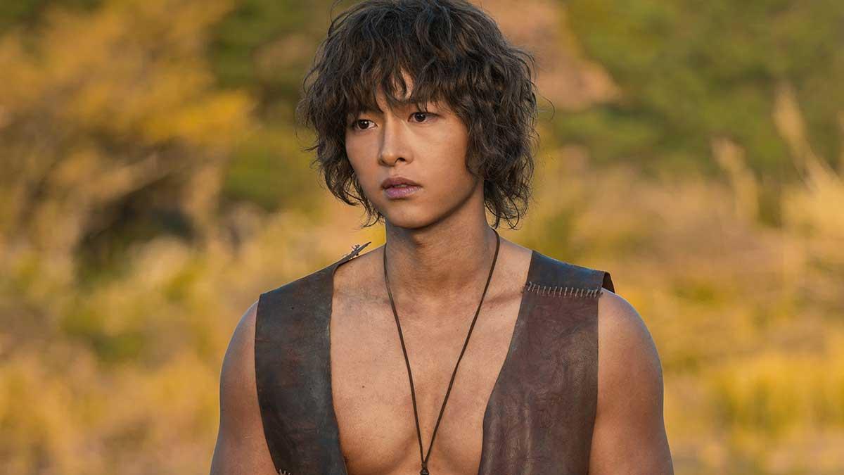 Sau ly hôn, Song Joong Ki tập trung vào sự nghiệp.
