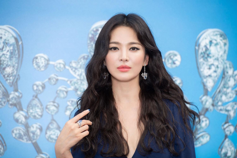 Song Hye Kyo chứng minh câu'Phụ nữ đẹp nhất khi không thuộc về ai'.