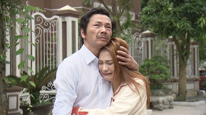 Nhiều cảnh quay của Về nhà đi conđã lấy đi nhiều nước mắt khán giả.