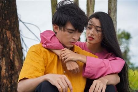 Hóa ra trùm cuối trong MV 'Vạn sự tùy duyên' của Quốc Thiên là 'Hot girl ống nghiệm' Lan Thy 1