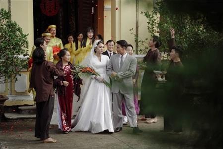 Hóa ra trùm cuối trong MV 'Vạn sự tùy duyên' của Quốc Thiên là 'Hot girl ống nghiệm' Lan Thy 7