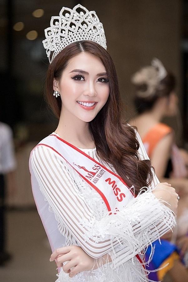 Lẳng lặng đi thi quốc tế, người đẹp Phú Yên bất ngờ đăng quang vị trí cao nhất khiến nhiều người bất ngờ.