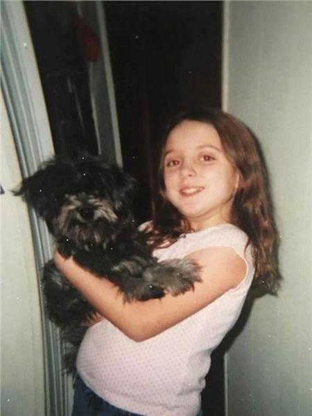 Cô gái nhận nuôi chú cún vì giống boss thời thơ ấu và cái kết khiến nhiều người xúc động 1