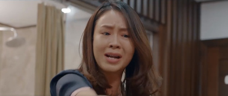 Dường như mọi thứ đã vượt quá sức chịu đựng của Khuê, cô không còn gì tha thiết với Thái nữa.