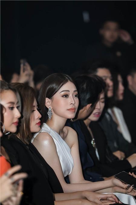 Hàng loạt Hoa hậu, người đẹp đình đám Vbiz 'đọ sắc' bất phân thắng bại tại sự kiện 16