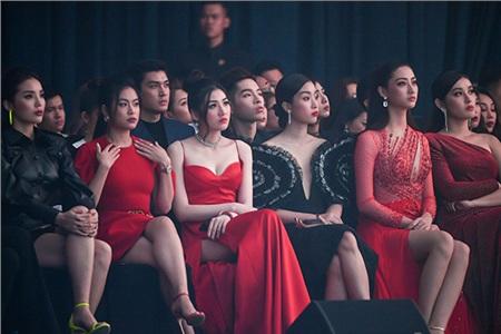 Hàng loạt Hoa hậu, người đẹp đình đám Vbiz 'đọ sắc' bất phân thắng bại tại sự kiện 18