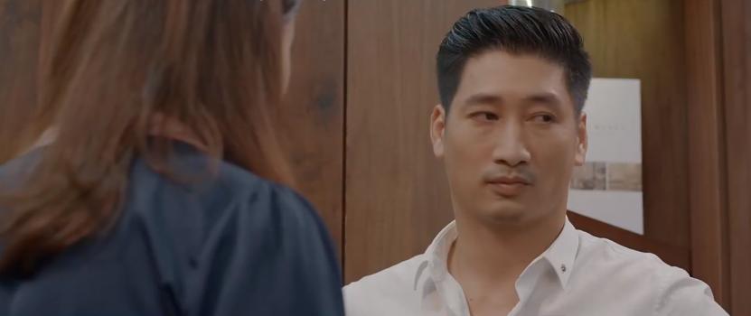 'Hoa hồng trên ngực trái' tập 13: Khuê tha thiết mong Thái hoãn ly hôn đến khi các con trưởng thành 4