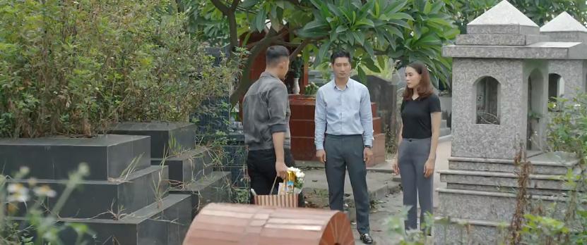 Thái đối mặt với em trai cùng cha khác mẹ