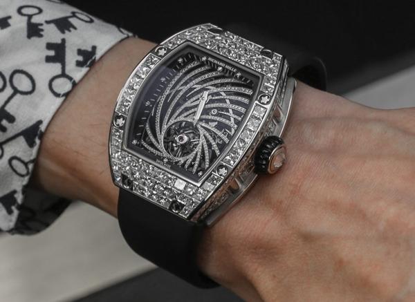 Cận cảnh chiếc Richard Mille RM 51-02 Tourbillon Diamond Twister hàng thật có giá siêu khủng.