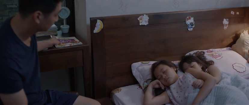 Thái để Trà một mình, ở nhà chăm sóc con gái
