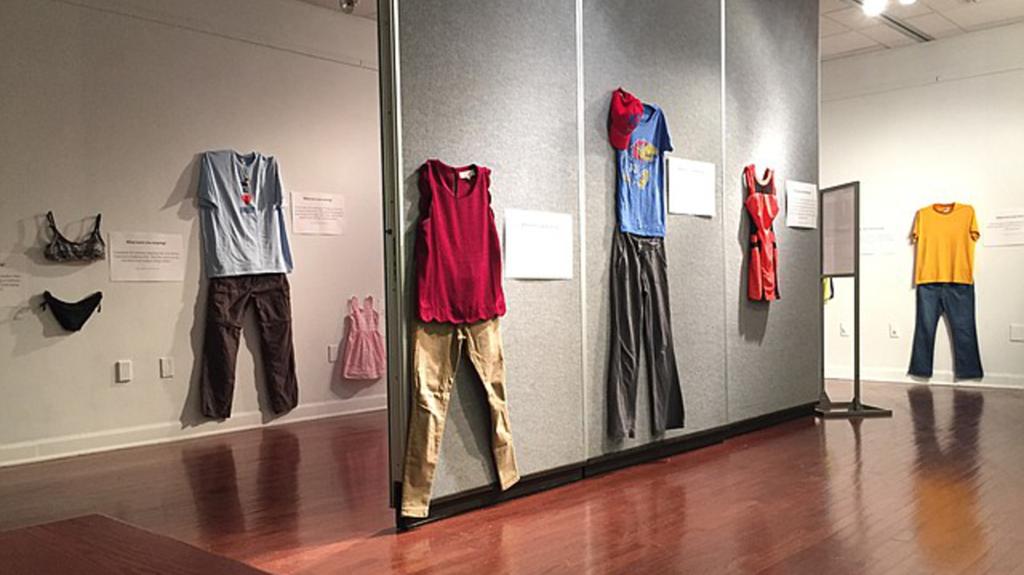 Bỉ mở triển lãm những trang phục của nạn nhân hiếp dâm để chứng minh việc ăn mặc không là nguyên nhân khiến phụ nữ bị cưỡng bức 8