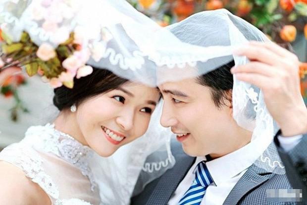 Lê Hồng Quang kết hôn cùng với đồng nghiệp Diễm Hương vào năm 2014