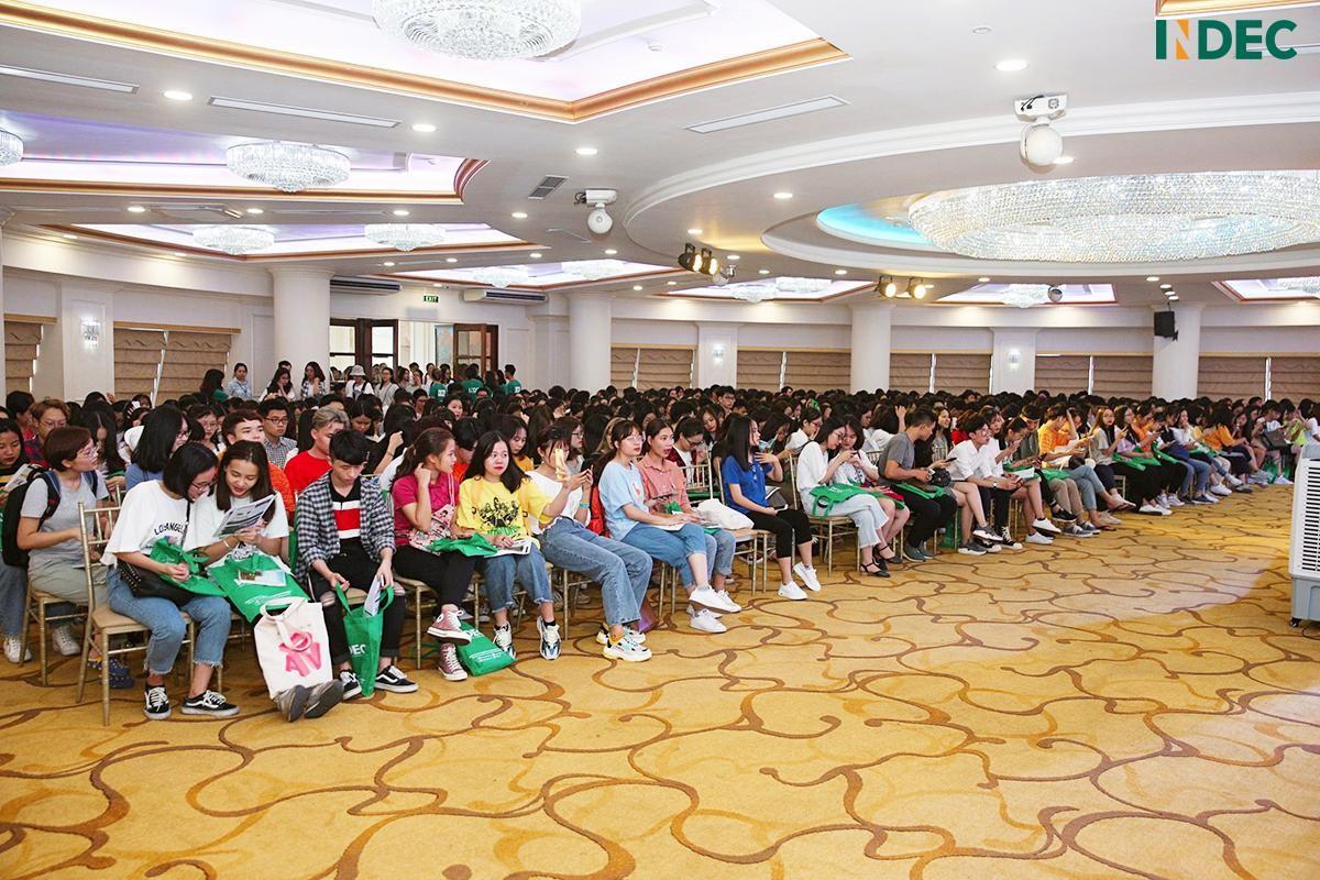 Hơn 500 bạn trẻ tham dự Workshop cùng Giang Ơi