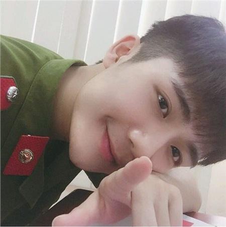 Nam sinh Học viện An ninh sở hữu ngoại hình dễ thương và có phong cách gợi nhiều liên tưởng đến các chàng trai người Hàn Quốc