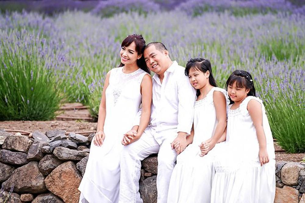 Gia đình hạnh phúc của nhạc sĩ Minh Khang -Thuý Hạnh