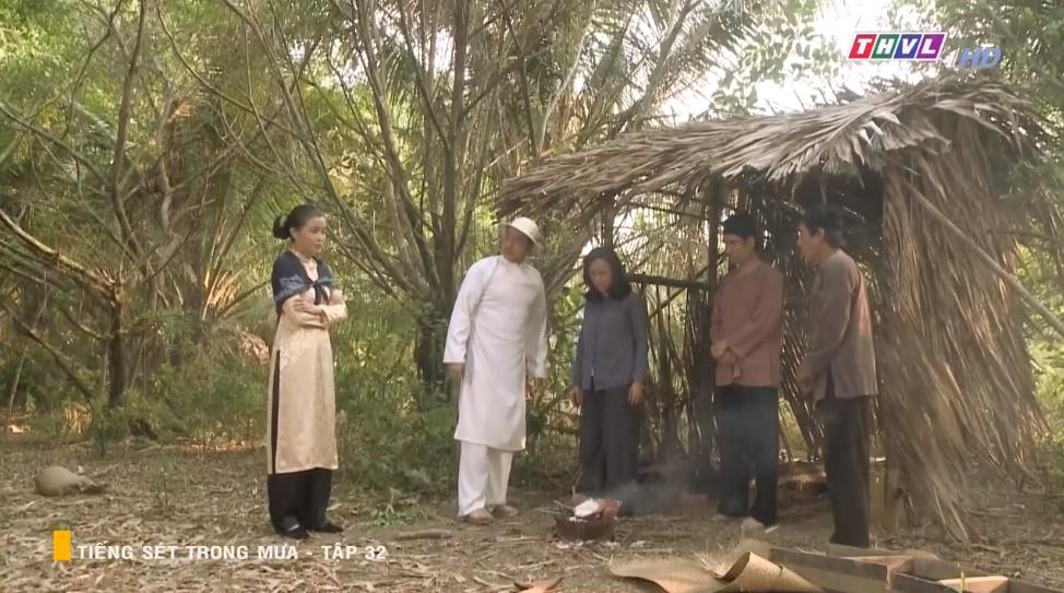 'Tiếng sét trong mưa' tập 32: Hai Sáng Cao Thái Hà 'chạy mất dép' khi bị Hiểm cầm gậy dọa đánh, thời đại của mợ sắp kết thúc rồi? 11