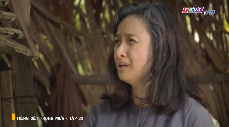 'Tiếng sét trong mưa' tập 32: Hai Sáng Cao Thái Hà 'chạy mất dép' khi bị Hiểm cầm gậy dọa đánh, thời đại của mợ sắp kết thúc rồi? 14