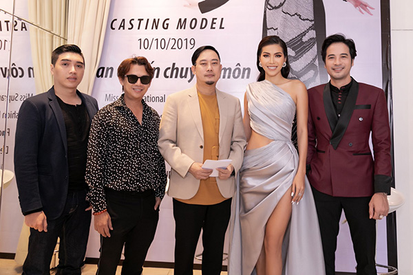 Minh Tú diện váy xẻ cao, khoe chân thon dài tại sự kiện thời trang 4
