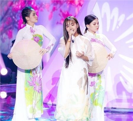 Sau khi hát tặng mẹ bị ung thư, học trò Lưu Thiên Hương tiếp tục gây xúc động mạnh 0