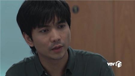 Suốt thời gian Nương đi viện, Hưng là người duy nhất ở bên ân cần chăm sóc.