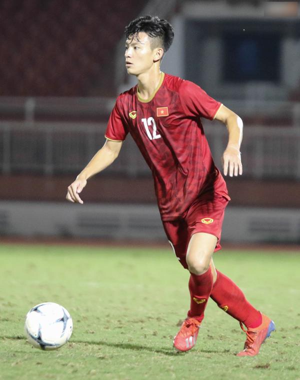 Chẳng kém cạnh đàn anh, thế hệ cầu thủ U19 Việt Nam cũng sở hữu nhiều 'cực phẩm' 8