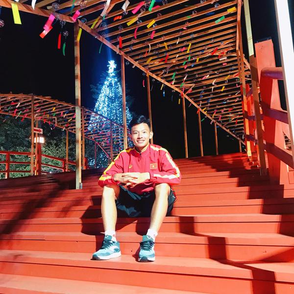 Chẳng kém cạnh đàn anh, thế hệ cầu thủ U19 Việt Nam cũng sở hữu nhiều 'cực phẩm' 9