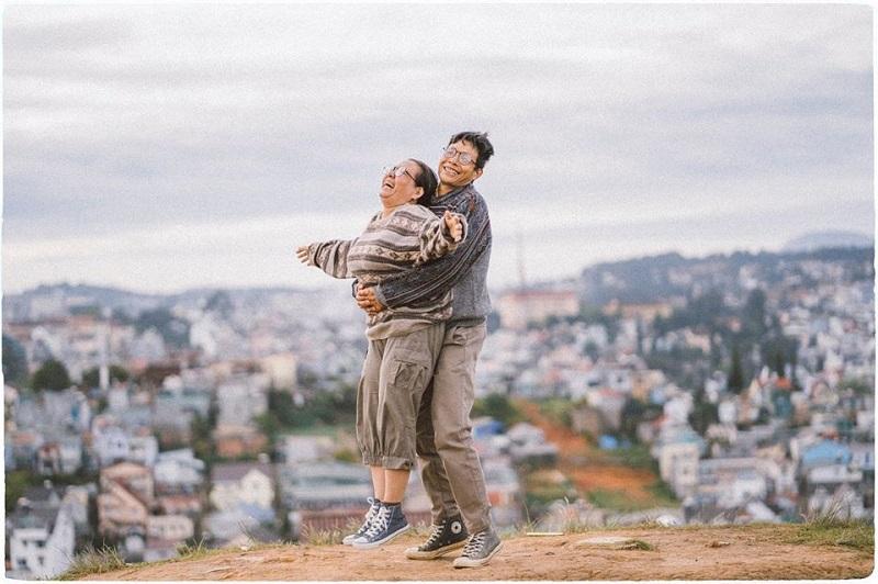 Bộ ảnh của cặp đôi U50 ở Đà Lạt: Khi con trai là photographer thì khoảnh khắc nào cũng đẹp tựa ảnh cưới 0