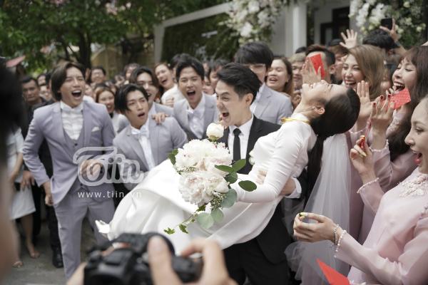 Hàng loạt sao Việt cũng vui mừng, xúc động khi thấy Đông Nhi -  Ông Cao Thắng 'về một nhà' sau 10 năm chung đôi 8