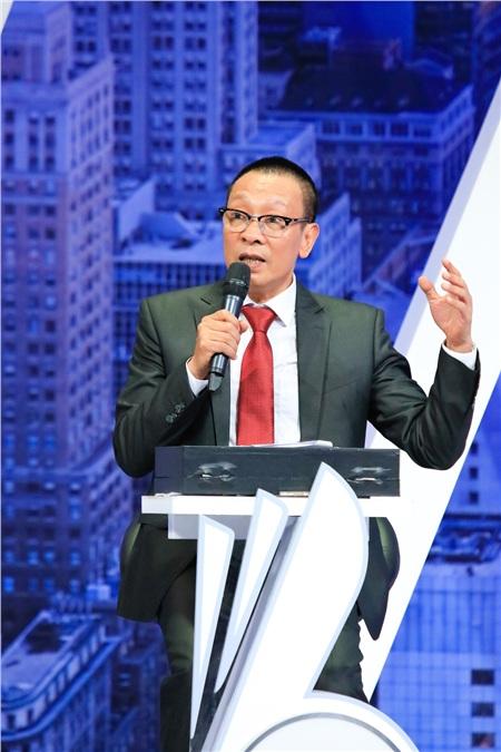 Sau khi nghỉ hưu tại VTV thì đây chính là một trong những gameshow mà nhà báo Lại Văn Sâm đảm nhận với vai trò MC