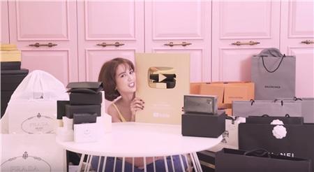 Ngọc Trinh được yêu mến hơn nhờ làm Youtuber.