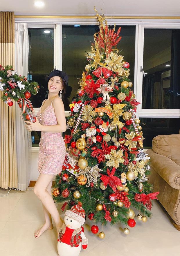 Không khí Noel rộn ràng trên mọi miền quê, dàn sao Vbiz cũng tất bật chuẩn bị đón Giáng Sinh 0