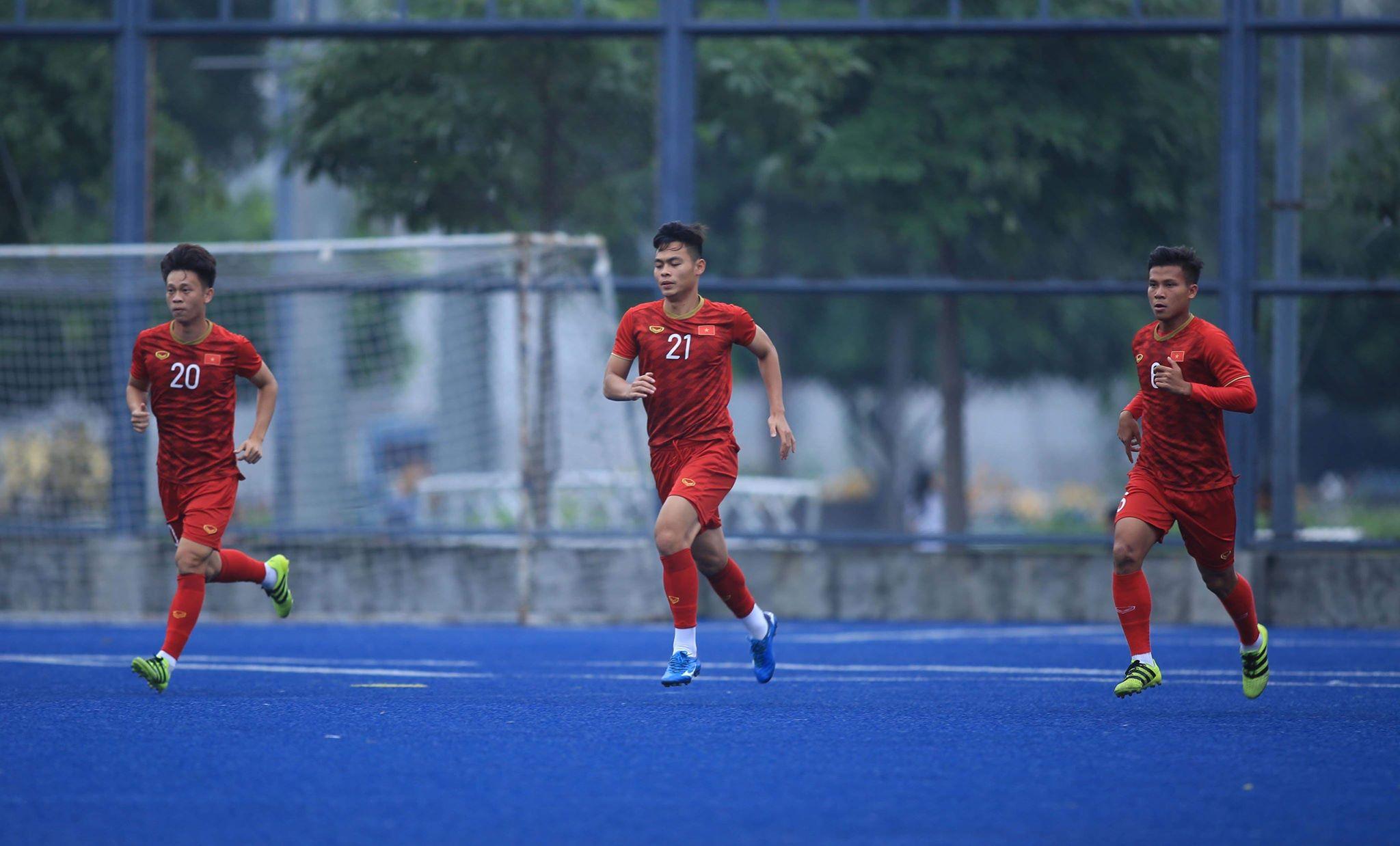 U22 Việt Nam tích cực tập luyện chiều 2/12 chuẩn bị cho trận gặp Singapore.
