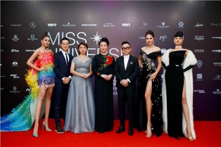 Thanh Hằng thần thái, Vũ Thu Phương 'chặt chém' cực gắt trên thảm đỏ Miss Universe Vietnam 2019 0