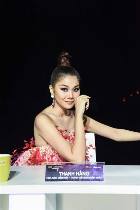 Thanh Hằng thần thái, Vũ Thu Phương 'chặt chém' cực gắt trên thảm đỏ Miss Universe Vietnam 2019 9