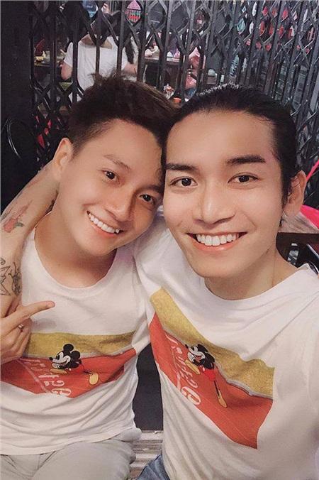 Ngô Kiến Huy và BB Trần tình cảm bên nhau.