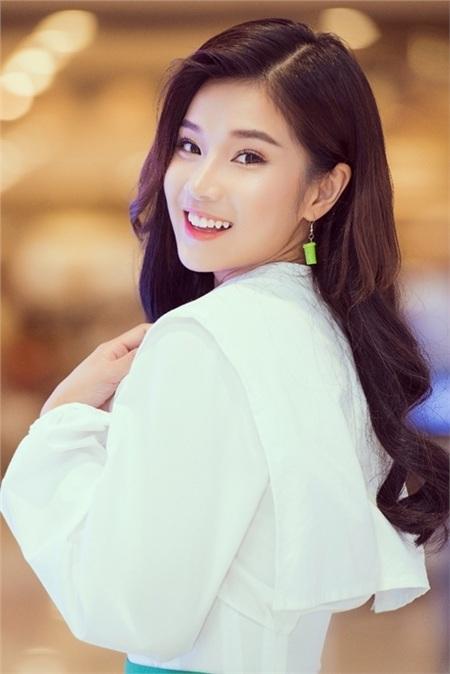 Hoàng Yến Chibi 'năn nỉ' Phan Mạnh Quỳnh dời ngày ra mắt bài hát mới vì trùng lịch 4