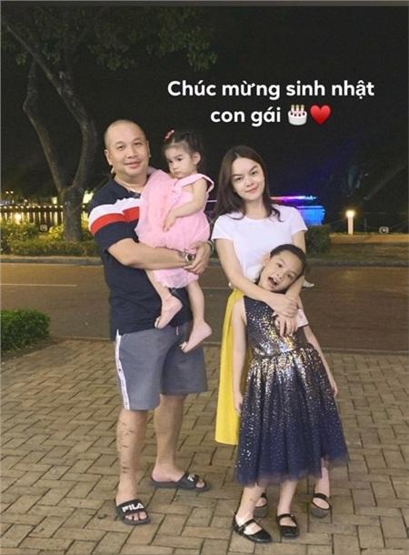 Gia đình Phạm Quỳnh Anh - Quang Huy.