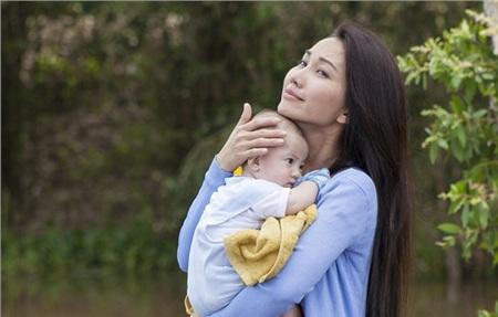 Sau ly hôn,Kim Hiền trở thành bà mẹ đơn thân.