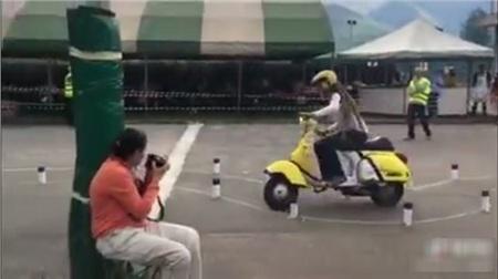 'Hoa mắt chóng mặt' với bài thi bằng lái xe máy toàn là 'vòng số 8' thách thức thí sinh ở nước ngoài 2