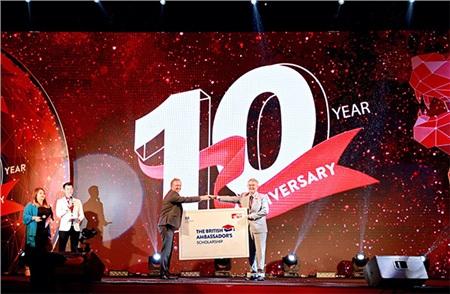 Trường Đại học Anh Quốc Việt Nam kỷ niệm 10 năm thành lập 0