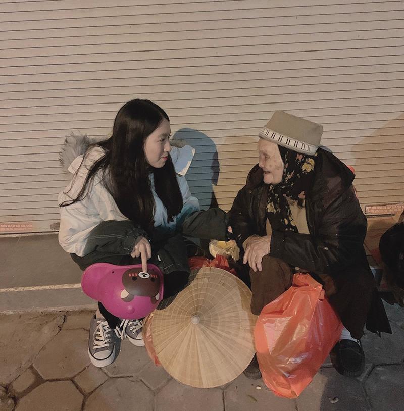 Hành động đẹp dành cho người vô gia cư của nữ ca sĩ 'Thích được không' 2