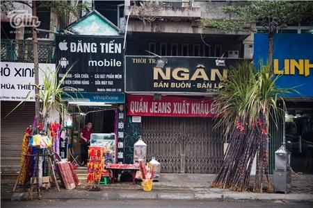 Trước giờ G, người dân Hà Nội sắm sửa cây nêu mong đón năm mới bình an 3
