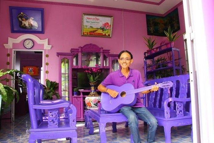 Chân dung ông T. và căn nhà màu tím mộng mơ của mình