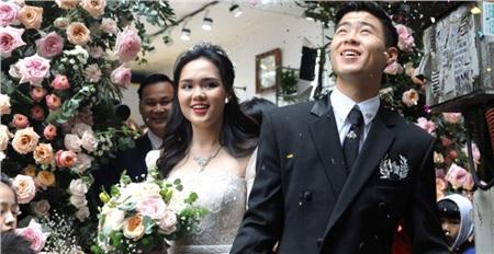 Gương mặt hạnh phúc của đôi vợ chồng trẻ trong ngày đại hỷ.