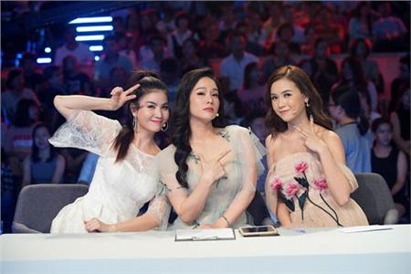 Nữ hoàng gameshow của Vbiz: Ninh Dương Lan Ngọc phủ sóng áp đảo, Lâm Vỹ Dạ không kém cạnh với tần suất xuất hiện dày đặc 11