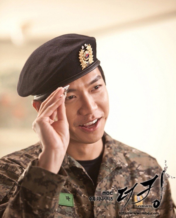Ngoài Huyn Bin, màn ảnh Hàn Quốc còn có nhiều soái ca quân nhân khiến fan nữ 'thầm thương trộm nhớ' 6